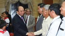 Thủ tướng Nguyễn Xuân Phúc thăm bà con kiều bào tại Campuchia
