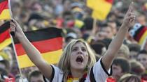 """Cháy cùng những CĐV nữ xinh đẹp của """"Die Mannschaft"""""""