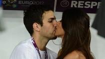 Sao Tây Ban Nha, đêm hoa đăng và những nụ hôn đằm thắm