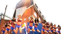 Điệu Gangnam Style của các hoạt náo viên bốc lửa