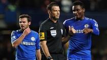 Chelsea xóa bớt tội cho trọng tài Mark Clattenburg