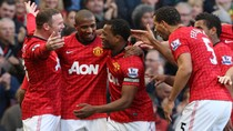 Thắng dễ dàng Arsenal, M.U lên ngôi nhất bảng