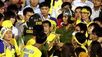 Cổ động viên Sông Lam Nghệ An: 'Quậy' và cuồng nhiệt số 1 Việt Nam