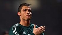"""Thắng M.U, Ronaldo: """"Tôi thấy xấu hổ!"""""""