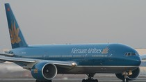 Hy hữu máy bay Vietnam Airlines hạ cánh khẩn cấp vì... xịt lốp