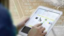 Khách hàng Vietcombank cần thay đổi mật khẩu khi giao dịch trực tuyến