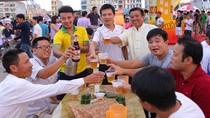 Người dân thành Tuyên háo hức chào đón ngày hội Bia Hà Nội 2016