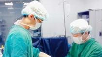 Cứu sống bé sinh non 32 tuần tuổi với nhiều ống nối ruột