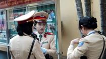 Chùm ảnh: Nữ CSGT Hà Nội trước giờ ra quân