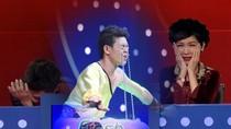 Việt Hương mở sân khấu không bán vé sau màn nâng xô nước bằng mí mắt
