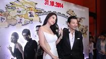 Trần Bảo Sơn đội mưa đến dự buổi công chiếu phim của Trương Ngọc Ánh