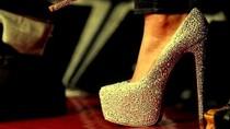 Huyền thoại giày đế đỏ Christian Louboutin
