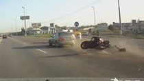 Clip: Những tình huống tai nạn xe gắn máy khủng khiếp