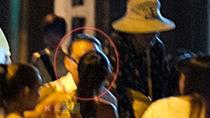 Đoan Trang hôn bạn trai trên vỉa hè, trước mặt Hà Anh Tuấn