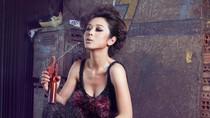 Hình ảnh cực lạ: Jennifer Phạm trong... xưởng cơ khí