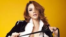 Trang Nhung gợi cảm với áo mỏng không nội y
