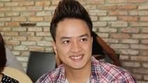 Cao Thái Sơn họp báo, ra sức phủ nhận bị đồng tính