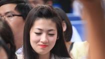 Á hậu Tú Anh tinh khôi áo trắng dự khai giảng trường Kim Liên