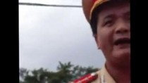 Video: CSGT lớn tiếng, xưng hô mày tao với người vi phạm