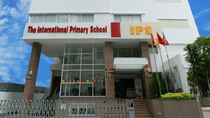 Phụ huynh tố cô giáo Trường tiểu học quốc tế Á Châu đánh bé lớp 1 bầm tay