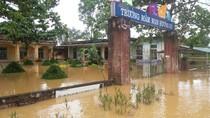 Gần 750 trường học với 300.000 học sinh nghỉ học do mưa lũ tại Hà Tĩnh
