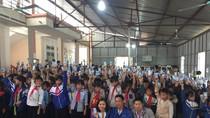 Trao tặng hơn 17.500 ly sữa đến trẻ em vùng lũ lụt