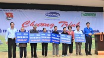 Vinamilk hỗ trợ 3 tỷ đồng cho người dân vùng lũ