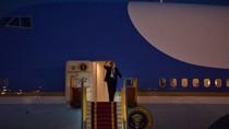 Tổng thống Mỹ Donald Trump đến Hà Nội bắt đầu thăm chính thức Việt Nam