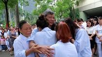 Nghìn người vẫy tay chào Giáo sư Nguyễn Anh Trí trong nước mắt