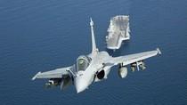Ấn Độ sẽ mua 800 khẩu pháo hạng nặng, 126 máy bay Rafalee