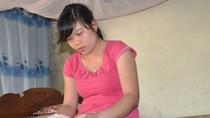 Con gái liệt sỹ Gạc Ma nhận quyết định đi làm đúng ngày giỗ bố