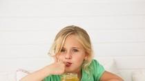 Có nên cho trẻ nhỏ uống mật ong?