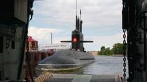 Vào thăm nhà máy ở Liên bang Nga đóng tàu ngầm cho Việt Nam