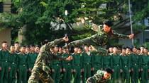 Cận cảnh lính 'cận vệ thép' luyện tập