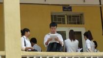 Môn thi đầu tiên: Nhiều thí sinh quên không mang giấy tờ thi