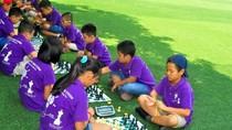Với cờ vua, con sẽ thông minh hơn cha mẹ tưởng