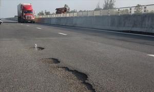 Phó Thủ tướng chỉ đạo khắc phục hư hỏng cao tốc Đà Nẵng - Quảng Ngãi