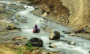 Cô giáo Sơn La băng rừng vượt suối đến trường giữa cao nguyên mây trắng