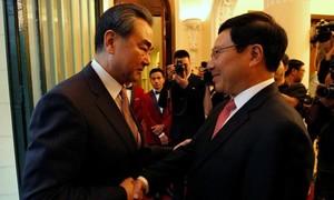 """Bài học và lưu ý cho Việt Nam trước đề xuất """"cùng khai thác"""" từ phía Trung Quốc"""