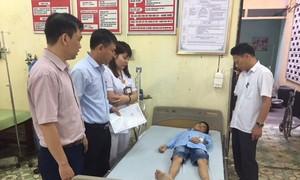 Xử lý vụ ngộ độc thực phẩm tại Trường Tiều học Đinh Tiên Hoàng