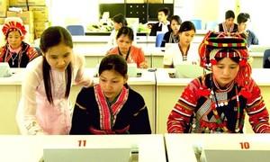 Ở Việt Nam, ai cũng được học hành