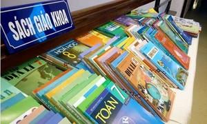 Bộ Giáo dục có nên làm bộ sách giáo khoa cho chương trình mới nữa không?