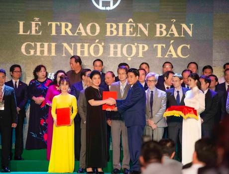 Chỉ một ngày đã có 400.000 tỷ đồng vốn đầu tư đổ về Hà Nội