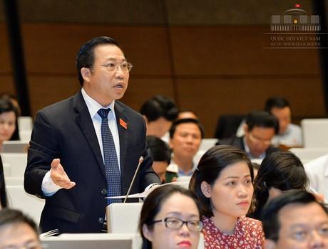 """Đại biểu Lưu Bình Nhưỡng: Ông Nguyễn Xuân Sang có dấu hiệu """"tham nhũng học vị"""""""