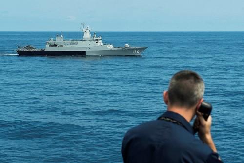 Trung – Mỹ vờn nhau ở Biển Đông và hướng đi nào cho các nước nhỏ?