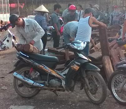 Bắc Ninh: Lập chợ gỗ trái phép, doanh nghiệp thu cả tỷ đồng/năm?