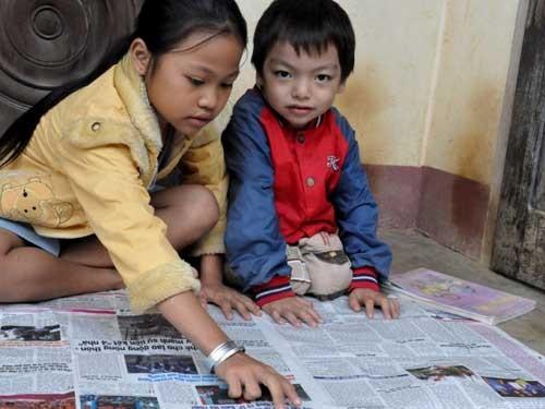 Mẹ mù chữ, con 3 tuổi đọc tự dưng biết đọc