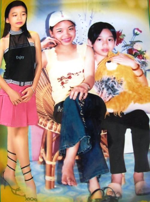 Di ảnh của ba chị em Yến Linh.