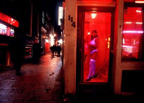 """Khu """"đèn đỏ"""": VN có thể học nước ngoài?, Tin tức trong ngày, khu den do o viet nam, de xuat lap khu den do, hop thuc hoa mai dam, gai ban dam, mai dam, trung tam bao tro xa hoi, diem du lich, co so giao duc, nhiem hiv, bao, tin tuc, tin hot, tin hay, vn"""