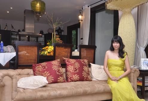 Mỗi góc nhà của Hà Kiều Anh đều được chị trang trí theo gu thẩm mỹ riêng, pha giữa nhẹ nhàng, giản dị và sang trọng.